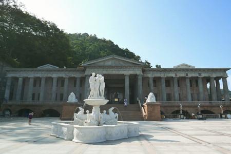 セブ島 観光スポット天空の神殿 Temple of Leah