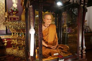 タイ・チェンマイの寺院 ワット・チェディルアン Wat Chedi Luang