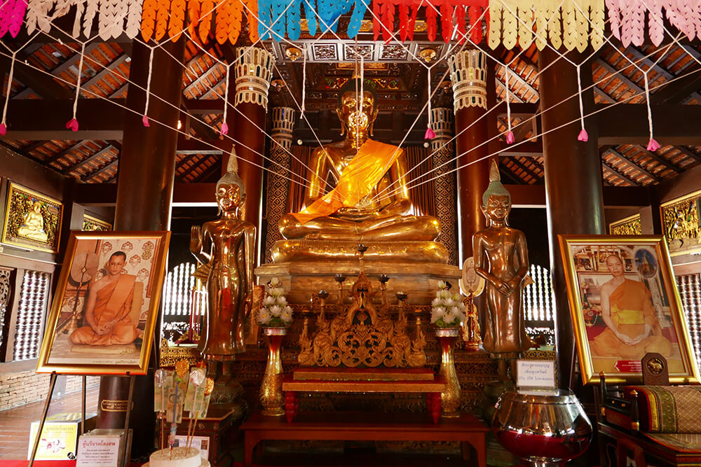 タイ・チェンマイの寺院 ワットクータオ Wat Lok Molee 仏像