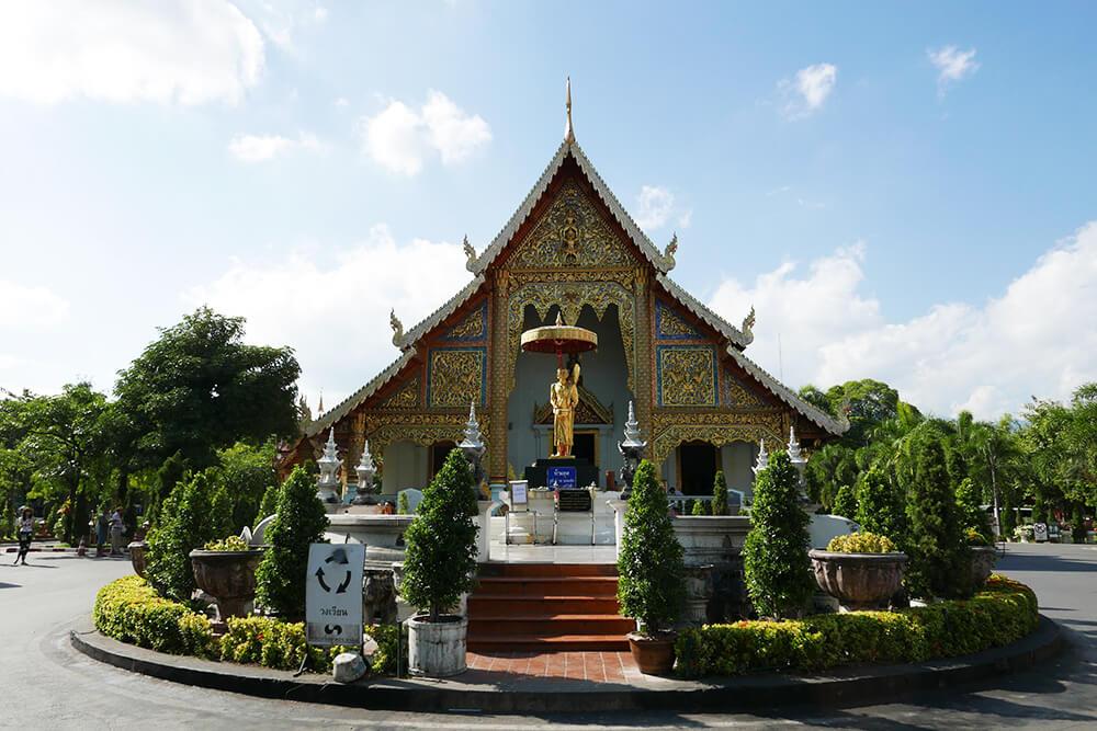 タイ・チェンマイの寺院 ワット・プラシン Wat Phra Singh 本堂
