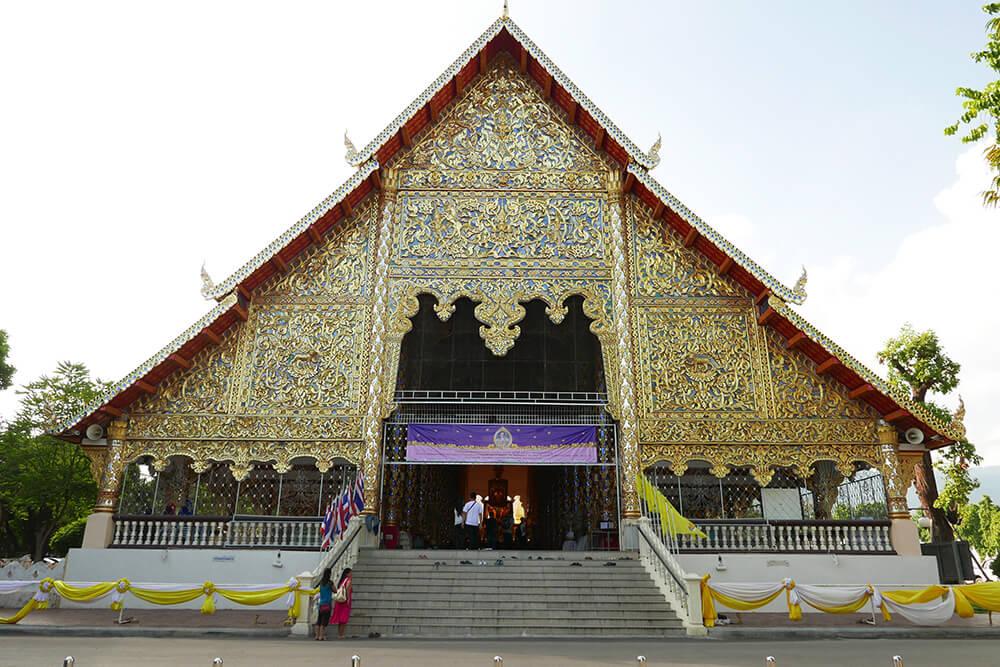 ワット・スアン・ドーク Wat Suan Dok (Wat Bubharam) 本堂