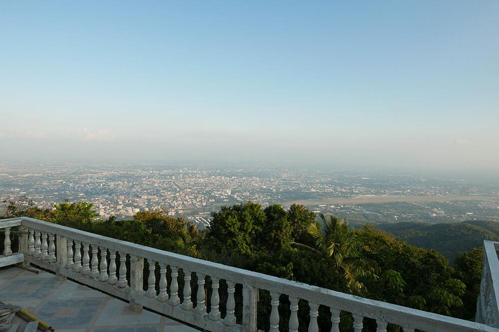 ワット・プラタート・ドイ・ステープ Wat Phra That Doi Suthepから見える絶景!