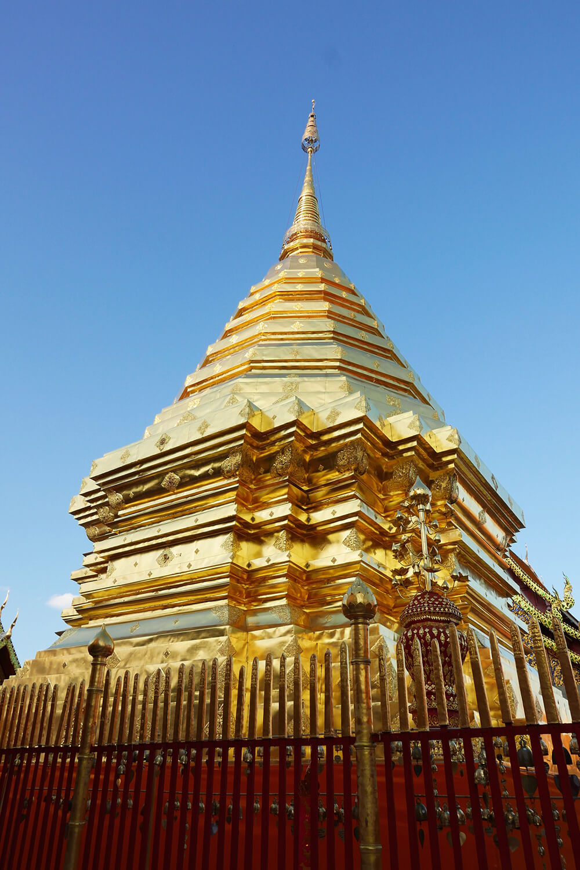 ワット・プラタート・ドイ・ステープ Wat Phra That Doi Suthep 黄金の仏舎利塔