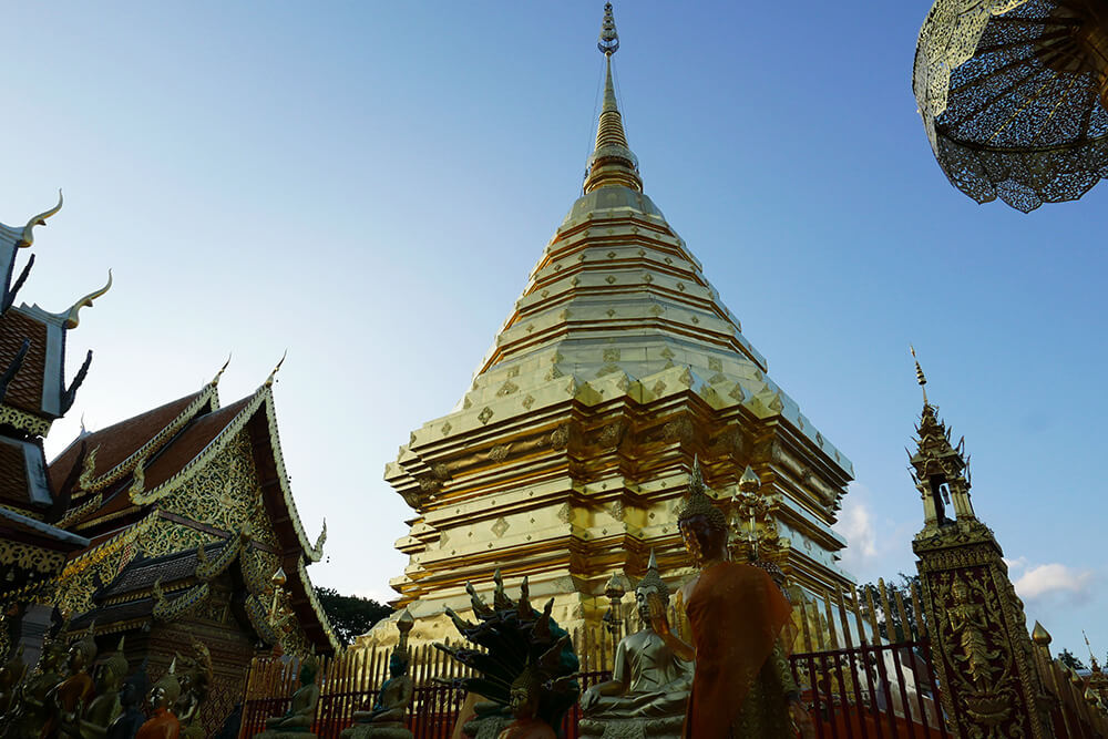 タイ・チェンマイの寺院 ワット・プラタート・ドイ・ステープ Wat Phra That Doi Suthep