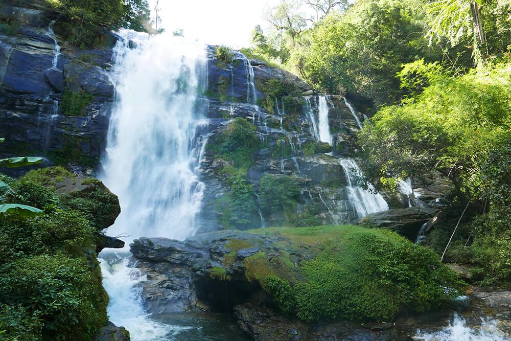 世界一周で訪れたタイ・チェンマイのワチラターン滝 Wachirathan Waterfall