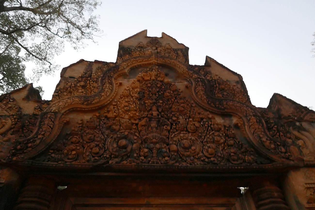第二周壁の塔門