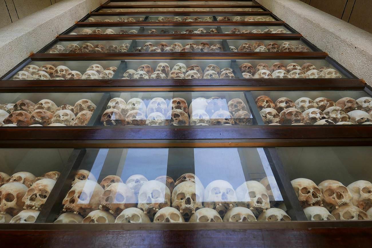 キリングフィールド・慰霊塔にある頭蓋骨
